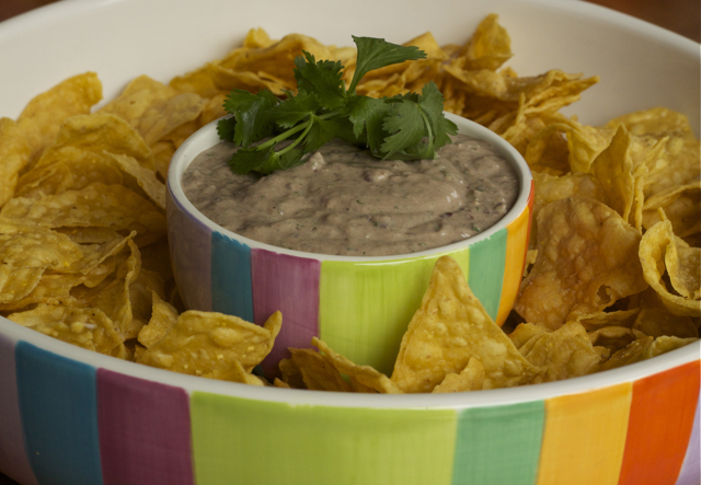 I've been on the hunt for a good black bean dip recipe for a long time and, drumroll please, I found it, baby! Or, actually it found me on Twitter. […]